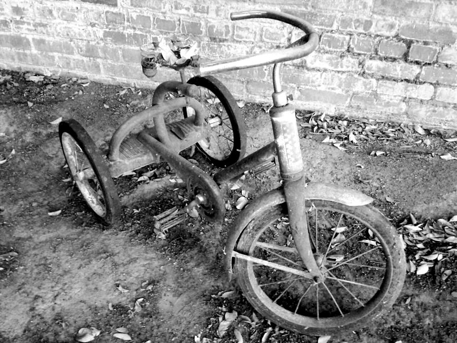 old-tricycle